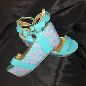 Turquoise fluorescent pink sandals